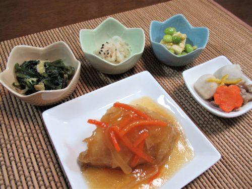 食宅便「赤魚の揚げ煮野菜あんかけ」もりつけ