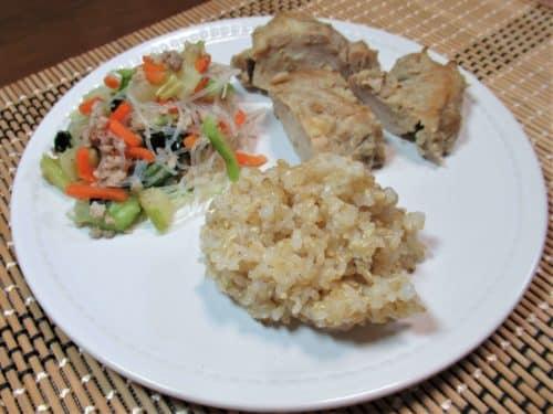 マッスルデリ鶏肉の生姜焼きセット盛り付け