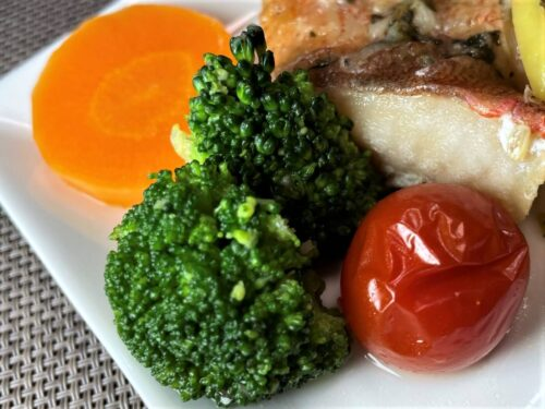 FIT FOOD HOME魚介のポワレ香草バターソース付け合わせ野菜